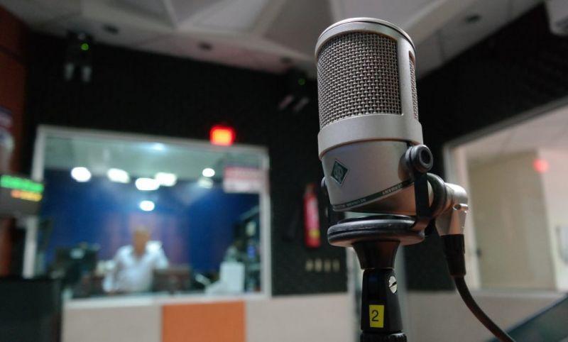 microphone-1562354_1920-1024x617